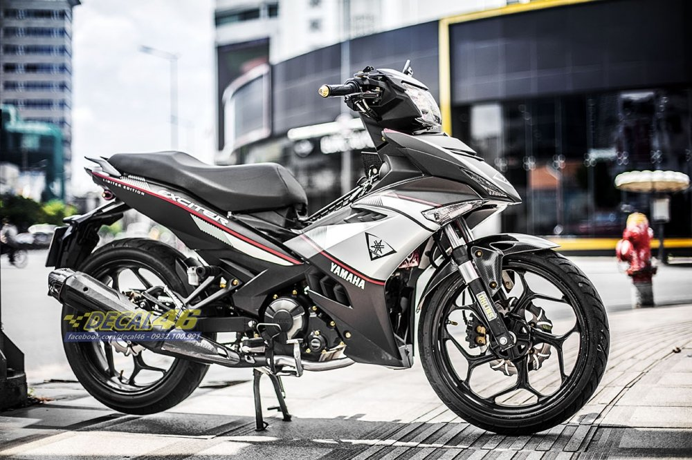 Tem xe Exciter 150 Limited Edition trắng đen (Ảnh 2)